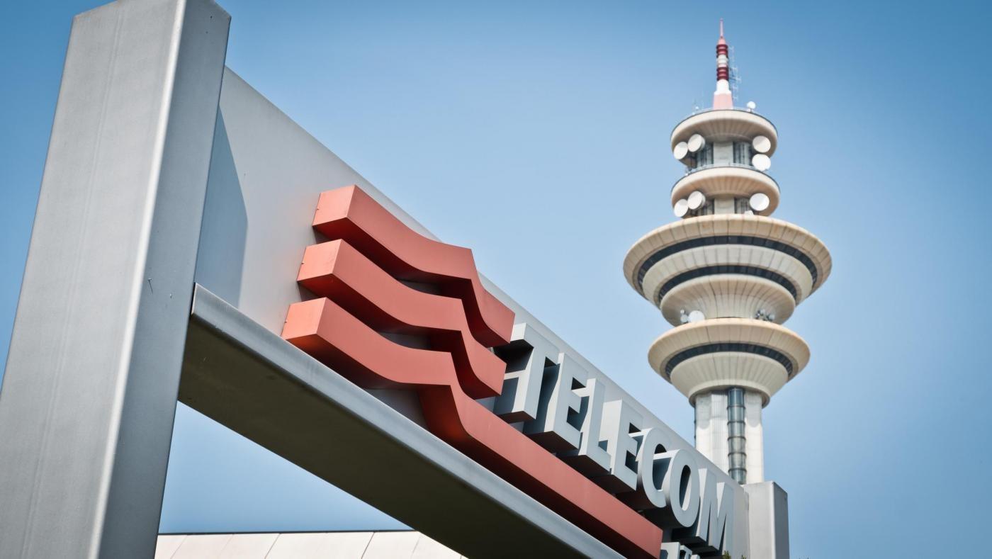 Telecom, in calo a 29 milioni l'utile nel primo semestre, ricavi in calo del 4,3%