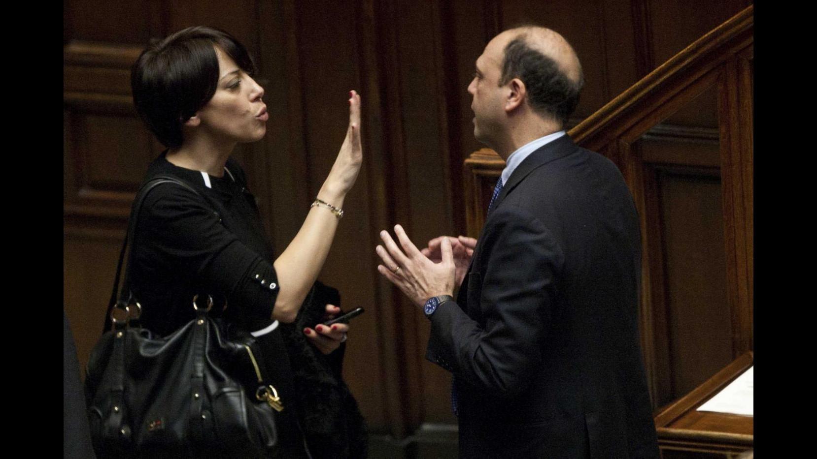 Ncd, Alfano: De Girolamo fa politica con passione, avanti