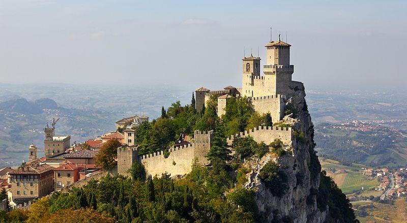 San Marino, movimenti per 33 miliardi al vaglio della Gdf: 850 mln evasi al fisco
