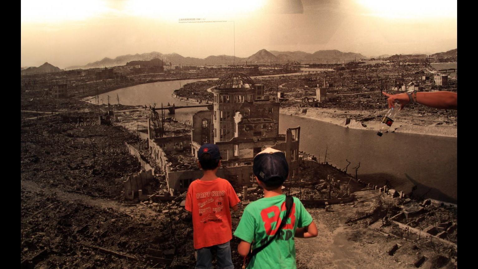 Settanta anni fa la prima atomica su Hiroshima. Mogherini: monito al disarmo