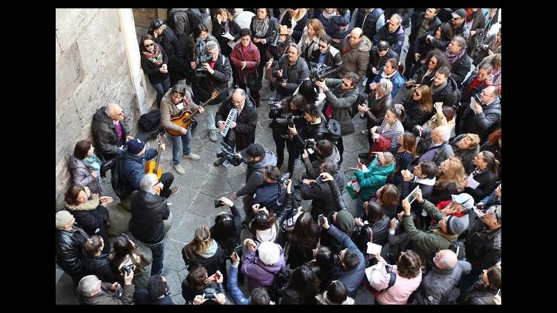 Oggi Pino Daniele avrebbe compiuto 60 anni, flash mob a Napoli