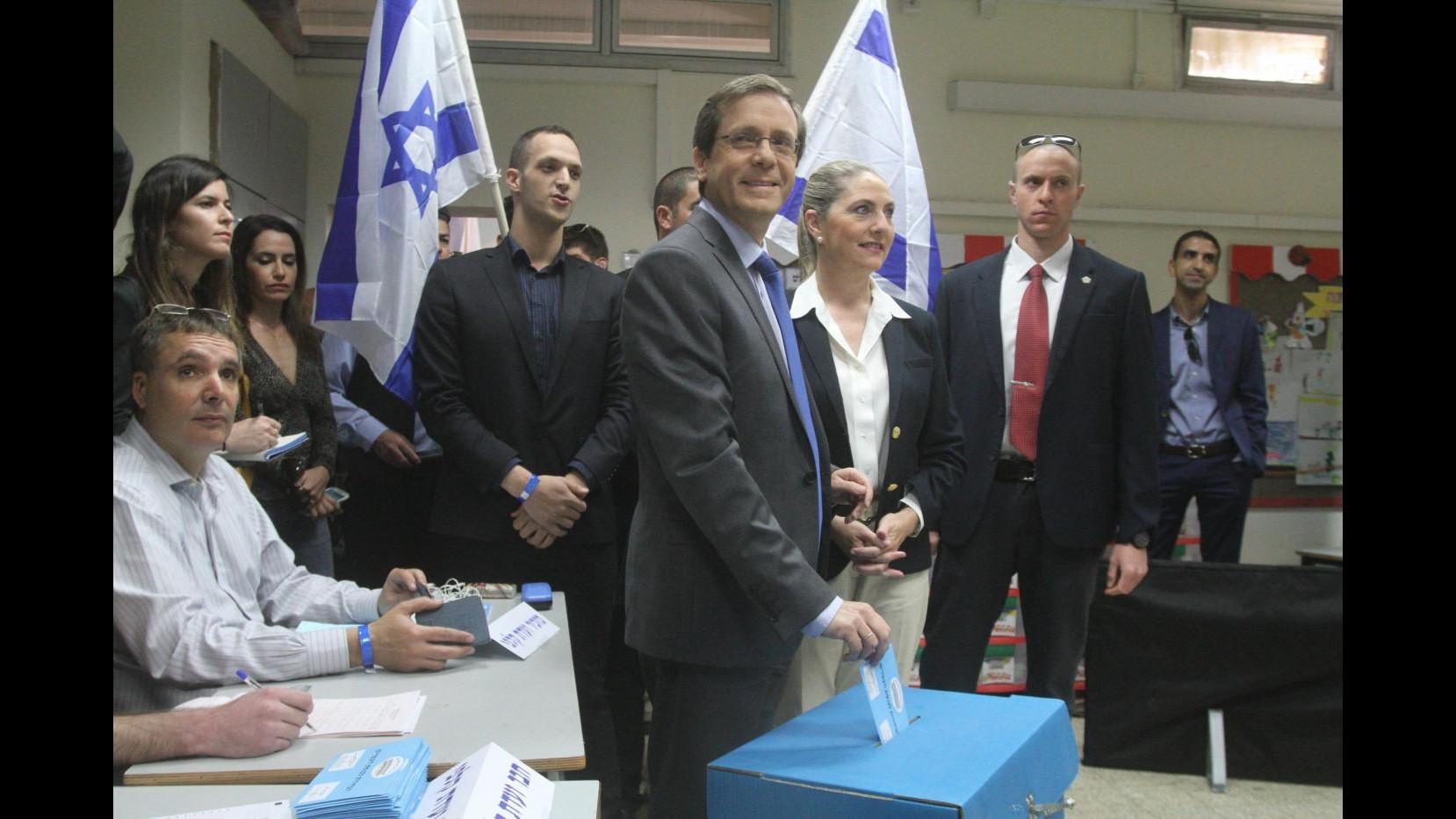 Israele, exit poll elezioni: è testa a testa tra Netanyahu ed Herzog