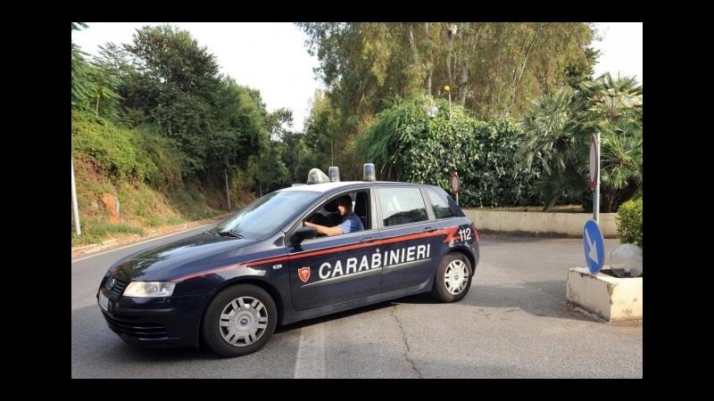 Catania, arrestato spacciatore 28enne: droga nell'anta della cucina