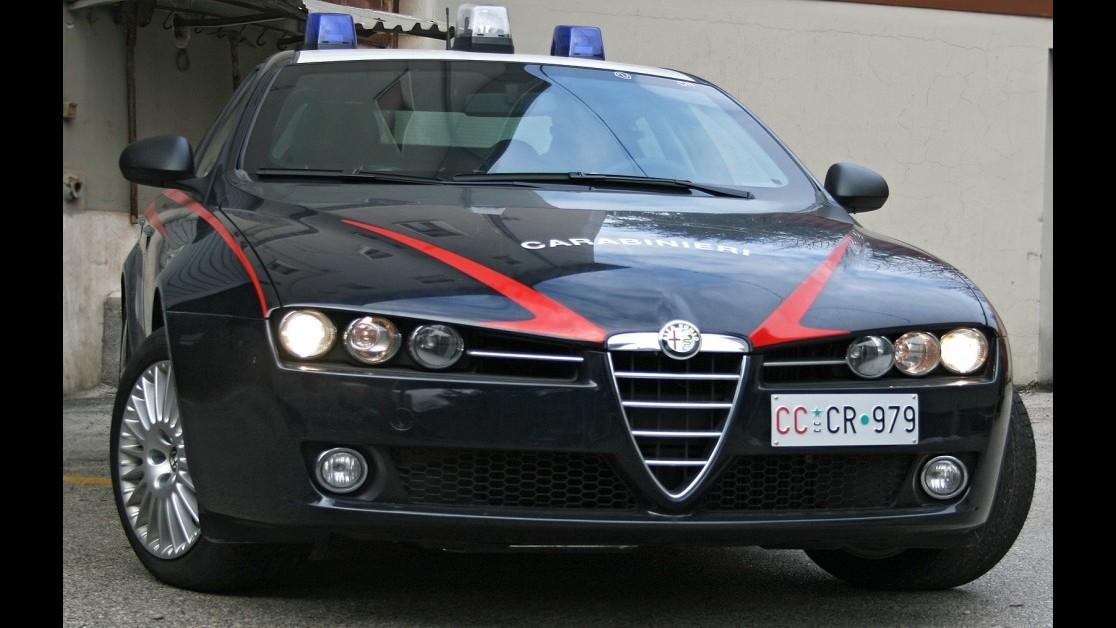 Roma, ricettazione capi griffati per 100mila euro: sgominata banda