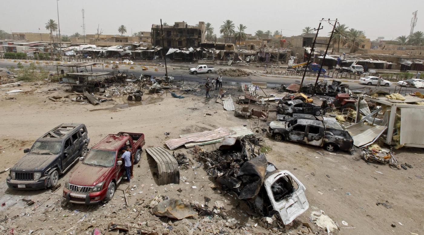 Isis fucila 15 poliziotti e arresta 4 studenti giornalismo a Mossul