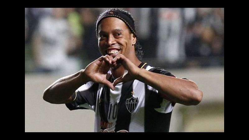Vittoria e assist per Ronaldinho al suo ritorno in Brasile