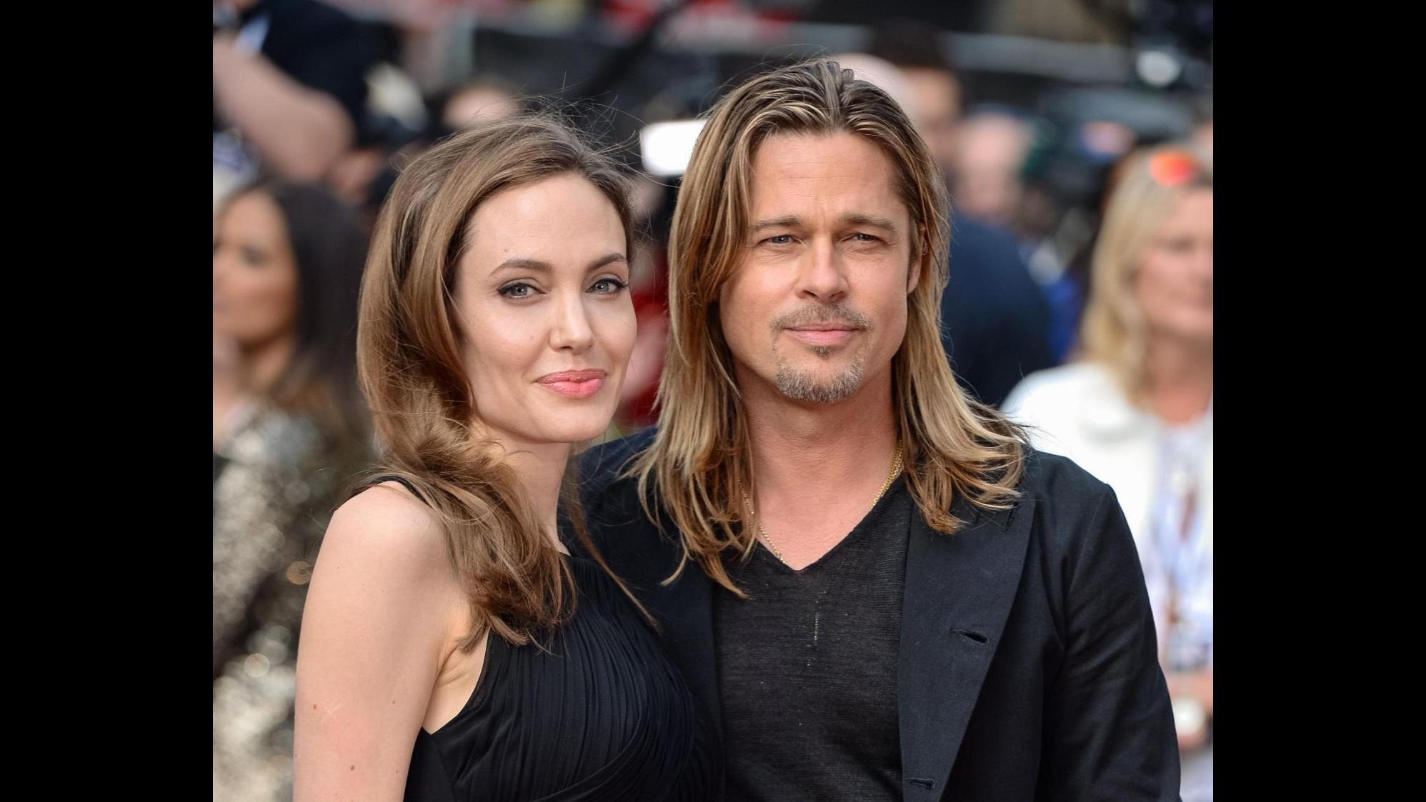 Il vino di Pitt e Jolie convince i critici e sbarca nei market britannici