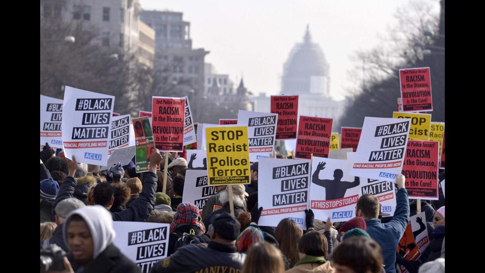 Usa, omicidio Walter Scott: nuovo video mostra gli attimi prima degli spari