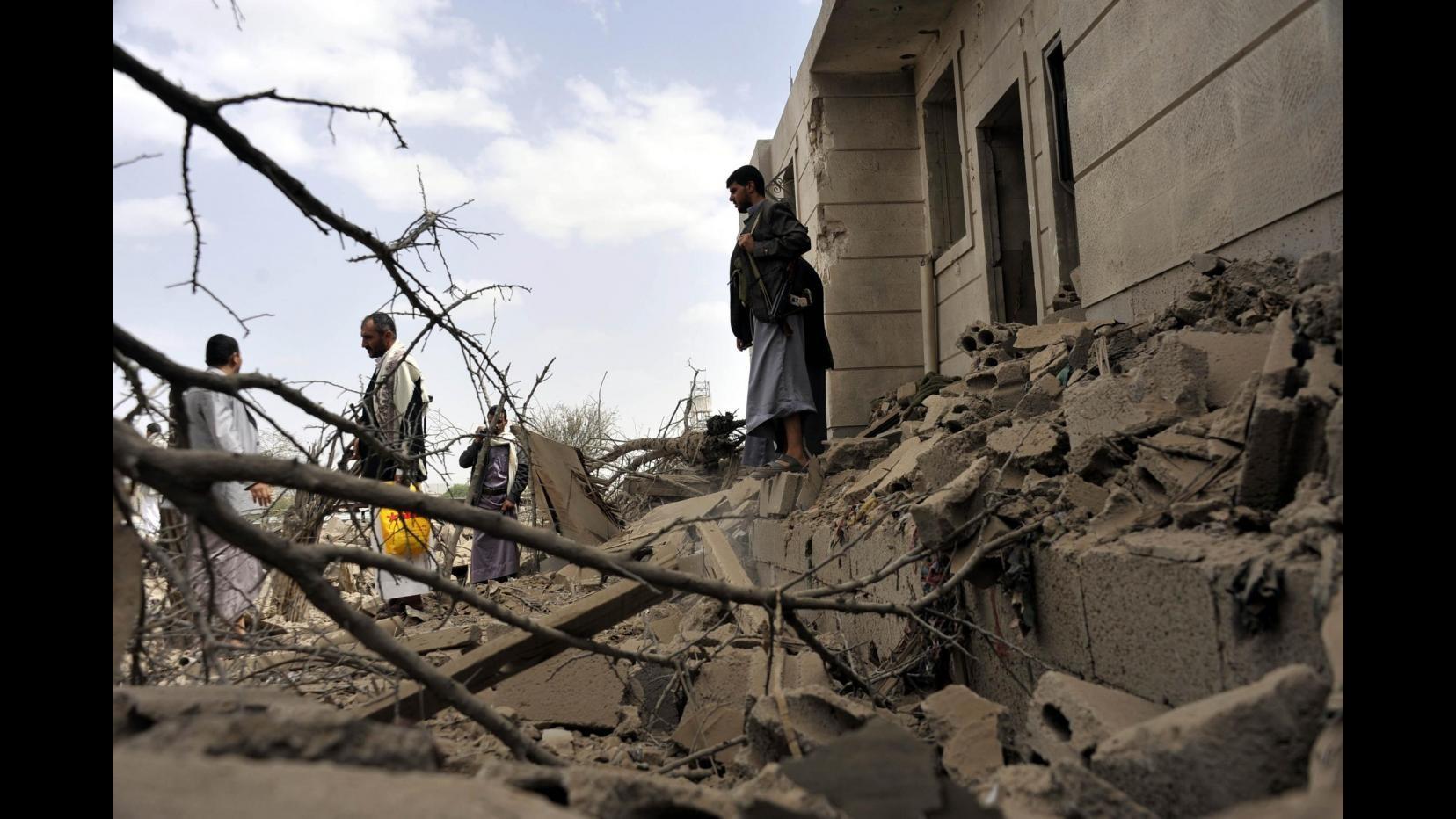 Yemen, arrivato a Sanaa primo carico medico della Croce rossa