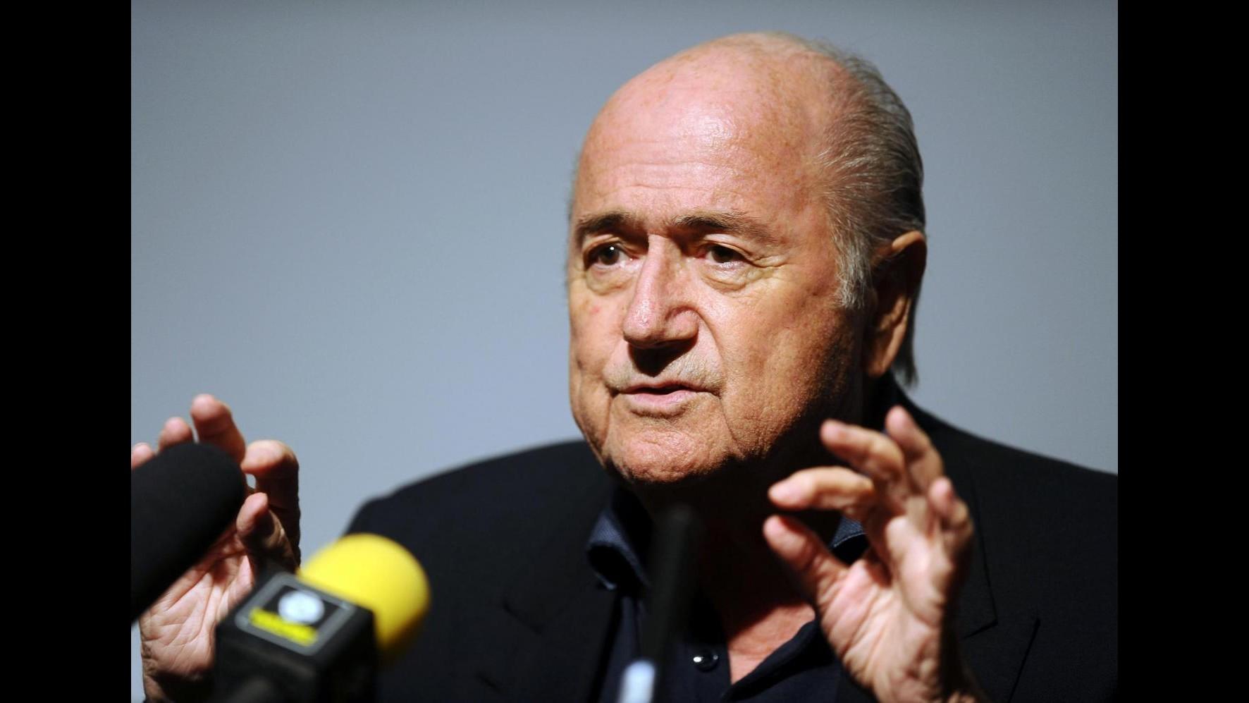 Blatter accusa Michel Platini: Minacce di carcere per non farmi candidare