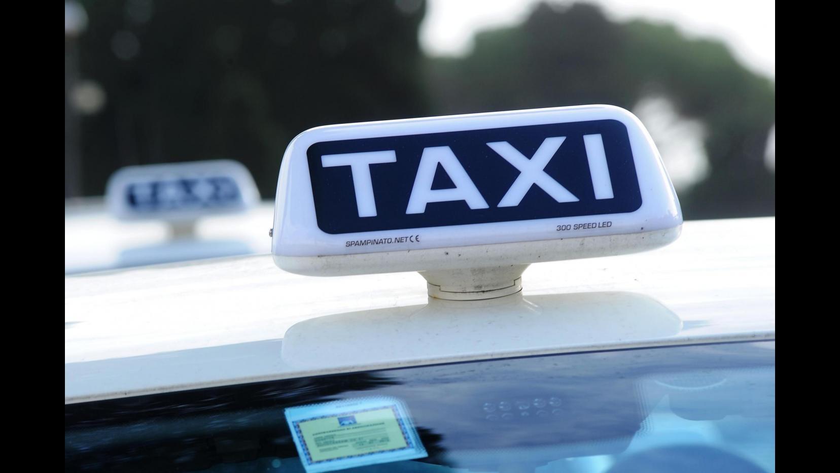 Perugia, rapina tassista e lo minaccia con il coltello: arrestato
