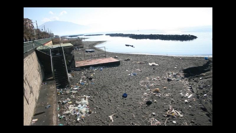 Ambiente, Legambiente: Inquinata quasi metà delle coste italiane