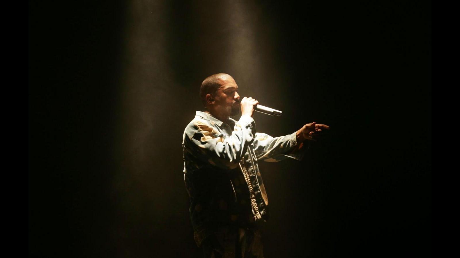 Fan Kanye West a Obama: Faccia uscire nuovo disco