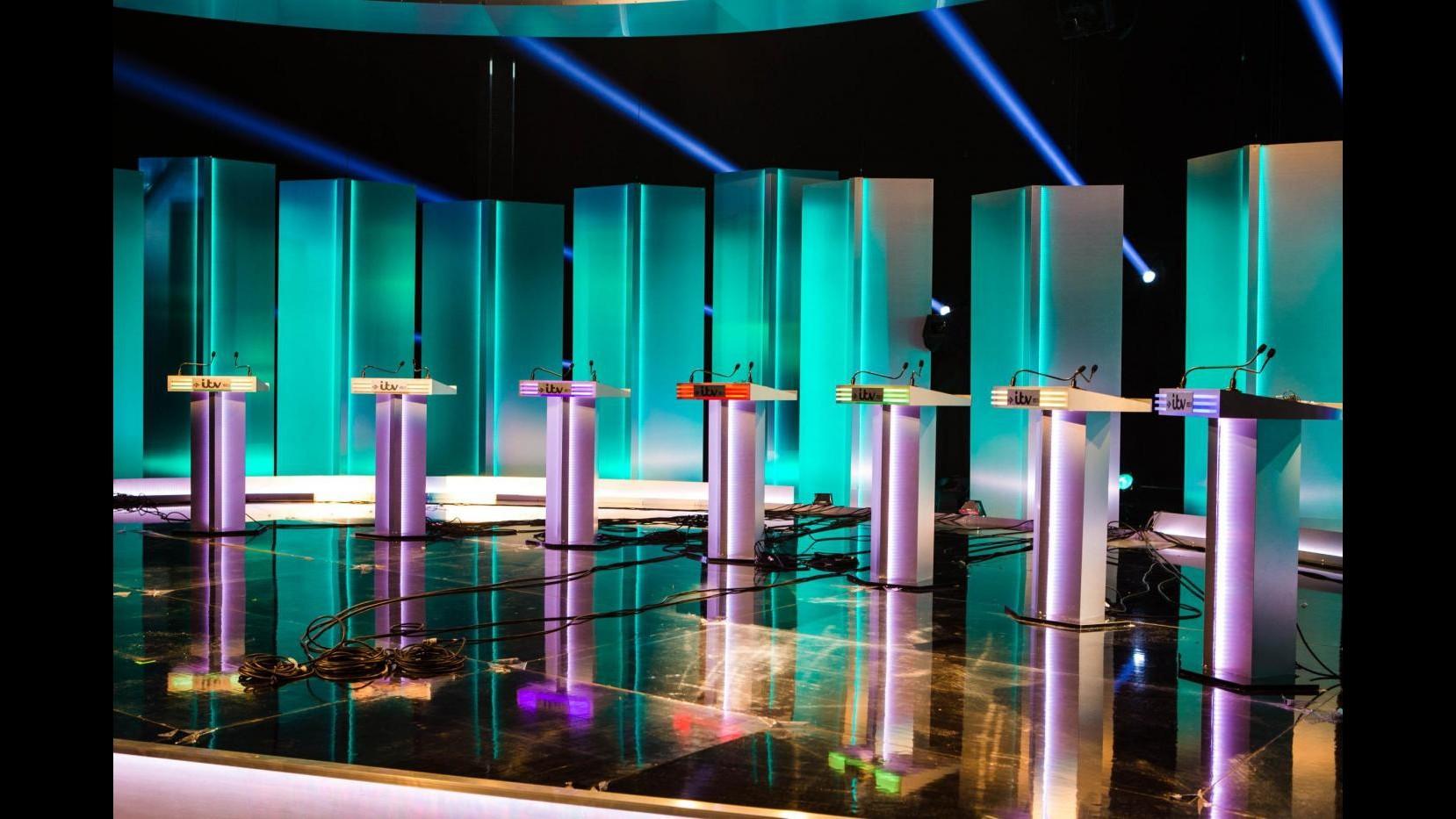 Regno Unito, stasera dibattito tv: Cameron sfida Miliband e altri 5 leader