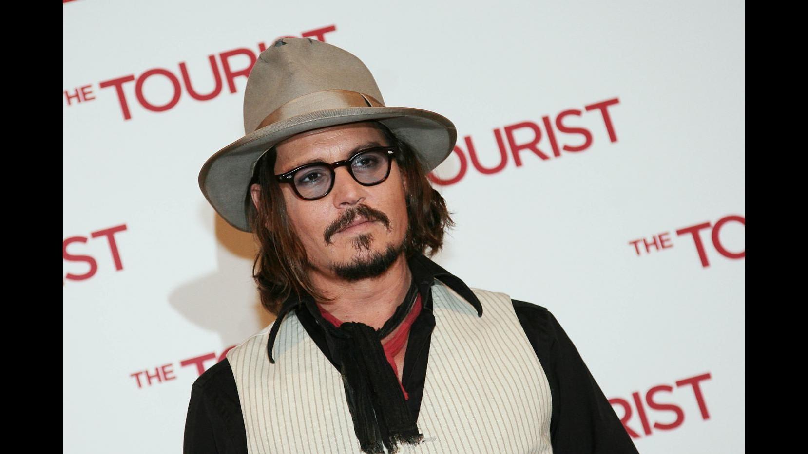 Stop riprese 'Pirati dei Caraibi' fino a metà aprile dopo infortunio Depp