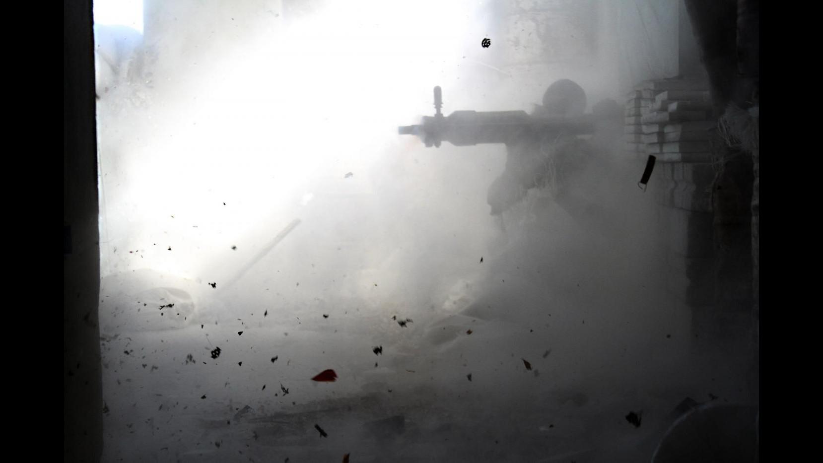 Siria, almeno 26 morti a causa di attacco con razzi e doppia autobomba