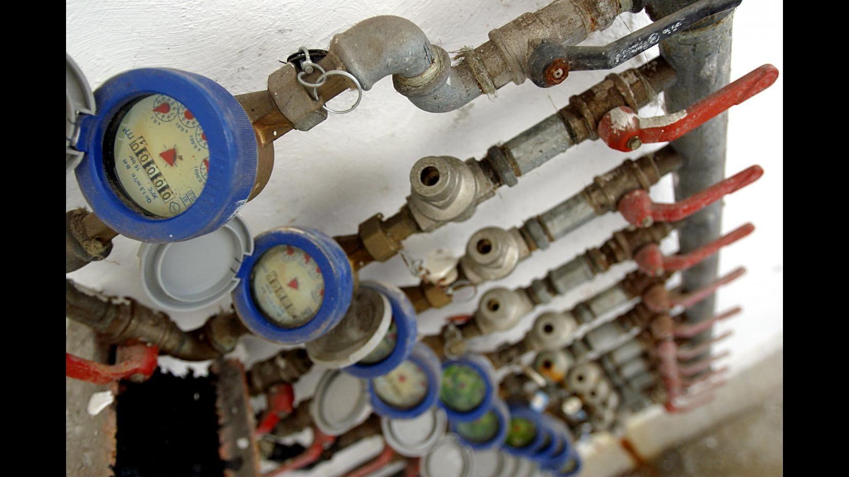 Energia, da aprile nuovo taglio alle bollette, risparmio 75 euro annui