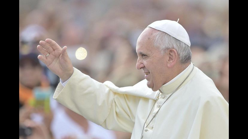 Papa incontra senzatetto ai Musei Vaticani: Questa è la casa di tutti