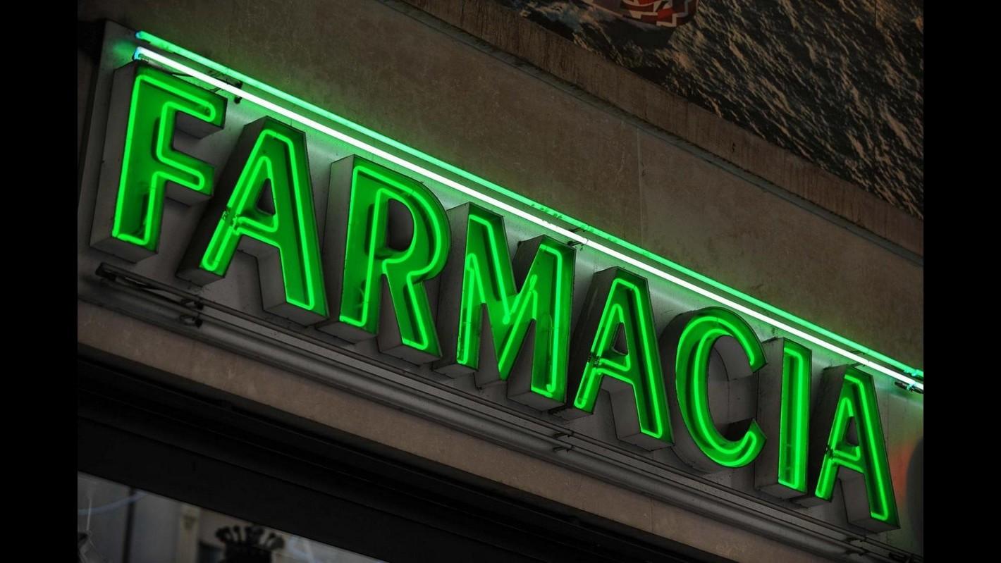 Roma, rapina l'incasso della farmacia e si fa consegnare una medicina
