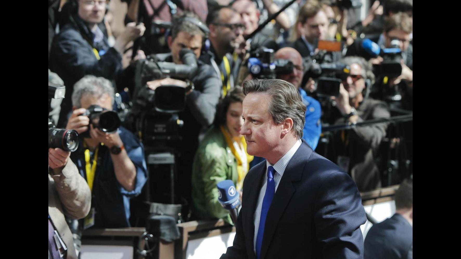 Sbarchi, Cameron: Contribuiremo a soccorsi ma non vogliamo rifugiati