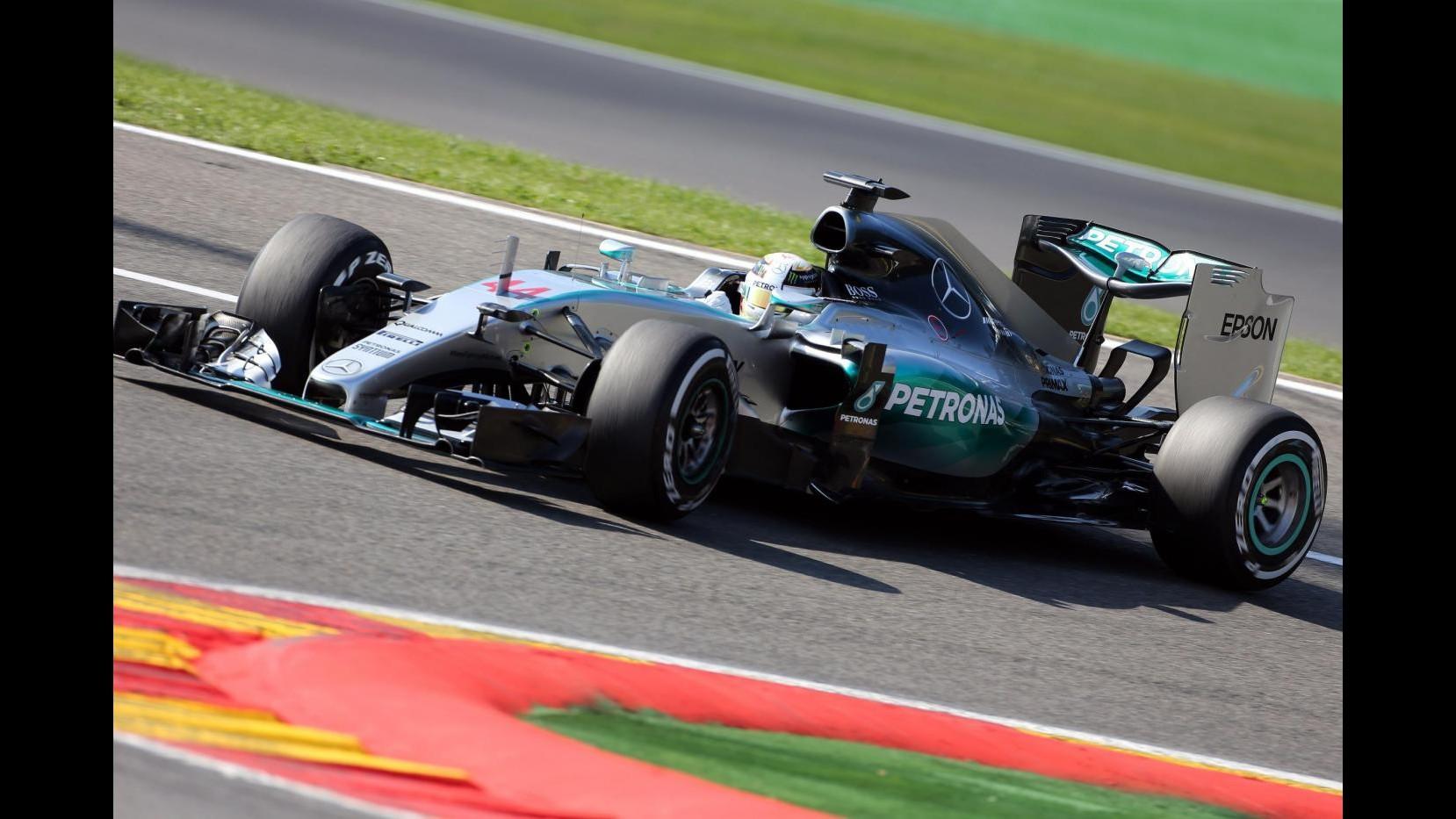 F1, Gp Belgio: Hamilton in pole position a Spa, Vettel soltanto 9°