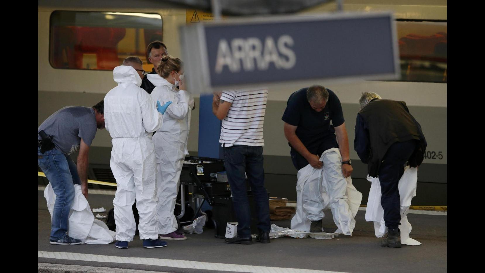 Sparatoria treno, autore: Non sono un terrorista, volevo rapinare i passeggeri