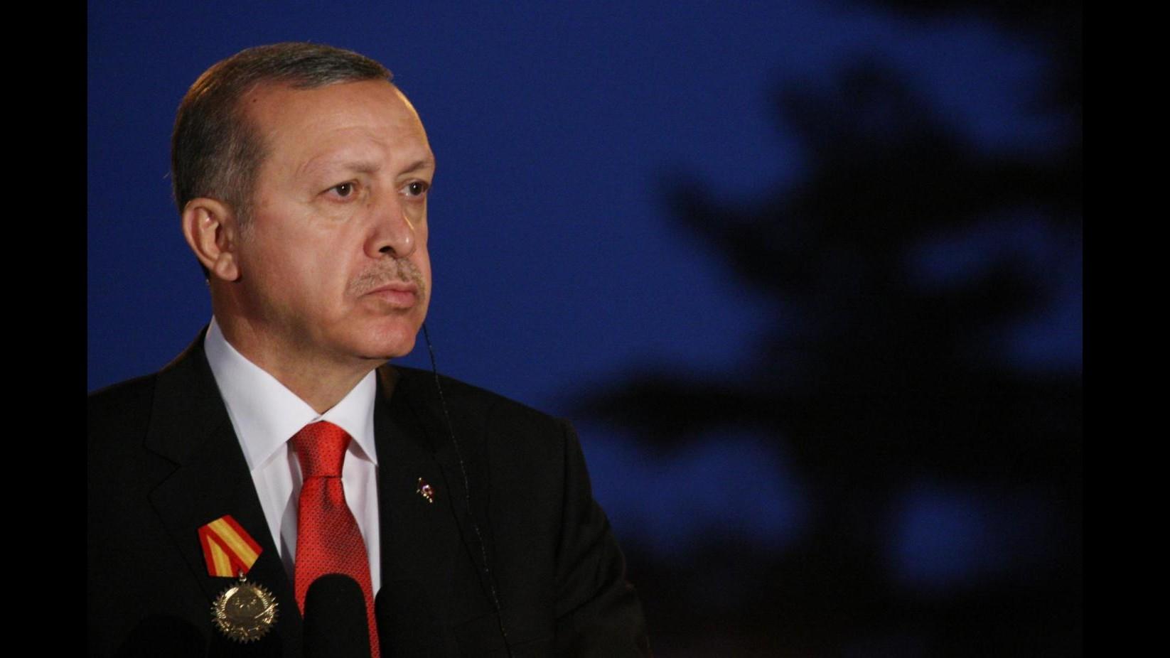 Erdogan condanna Papa su genocidio armeni. E avverte: Non ripeta errore