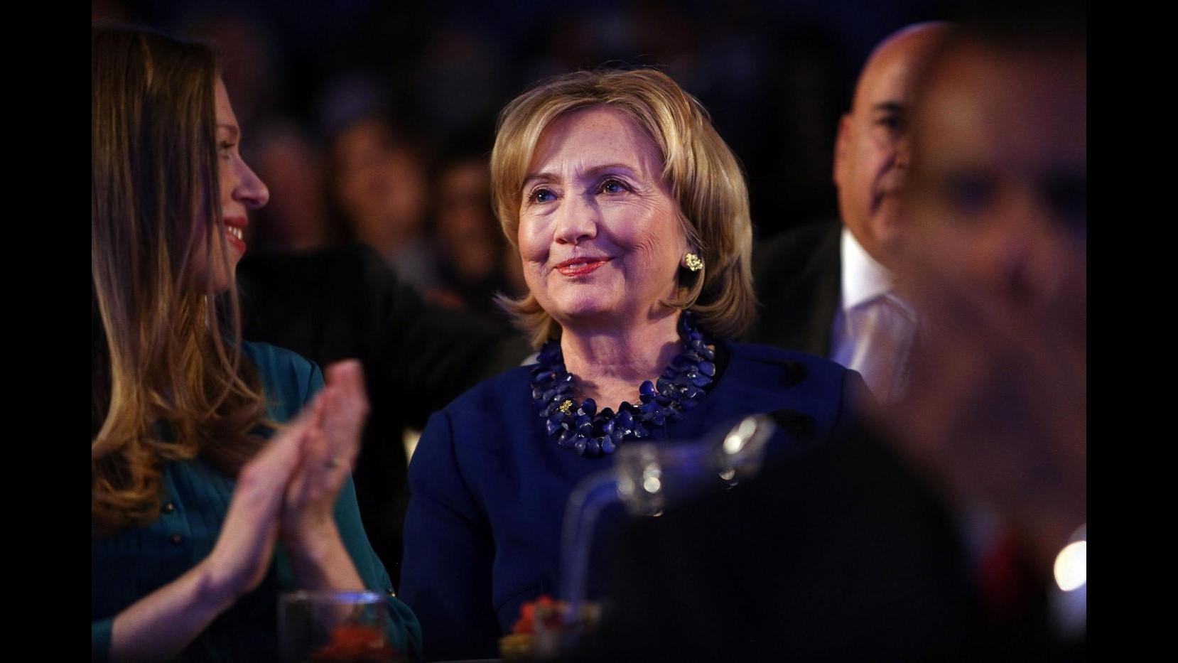 Hillary Clinton in video: C'è bisogno di un campione, voglio esserlo