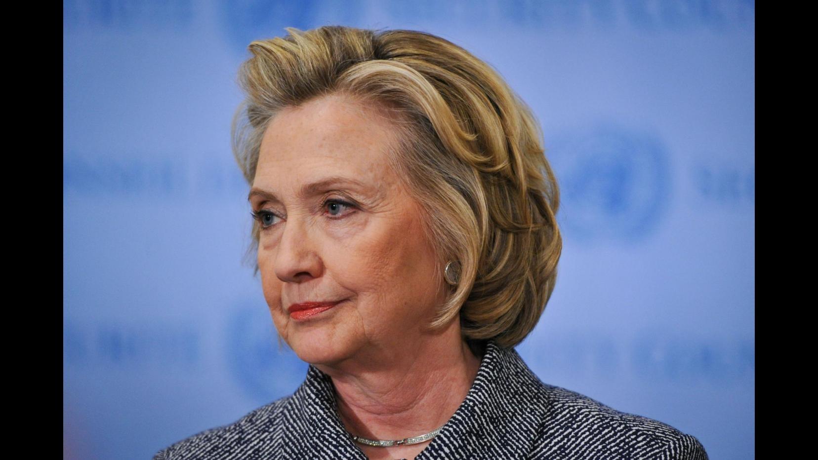Poster, parodie e spot: la campagna Gop contro Clinton presidente