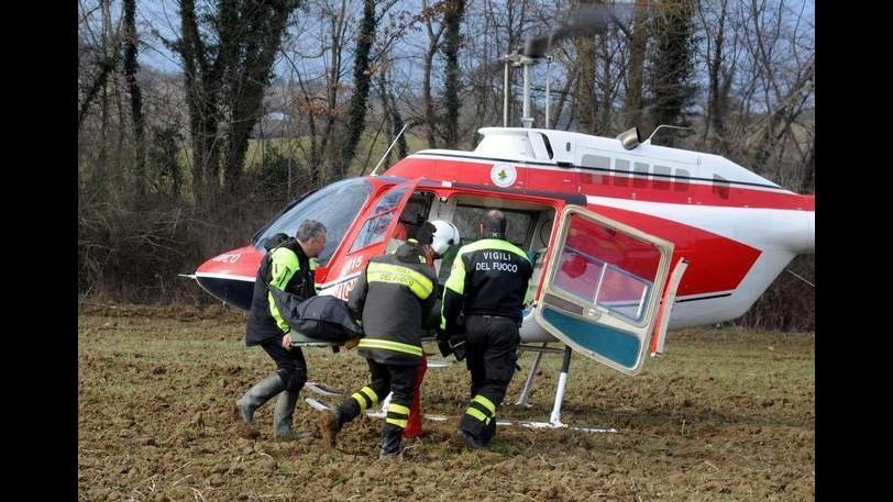 Brescia, soccorso escursionista ferita: recuperato con il verricello