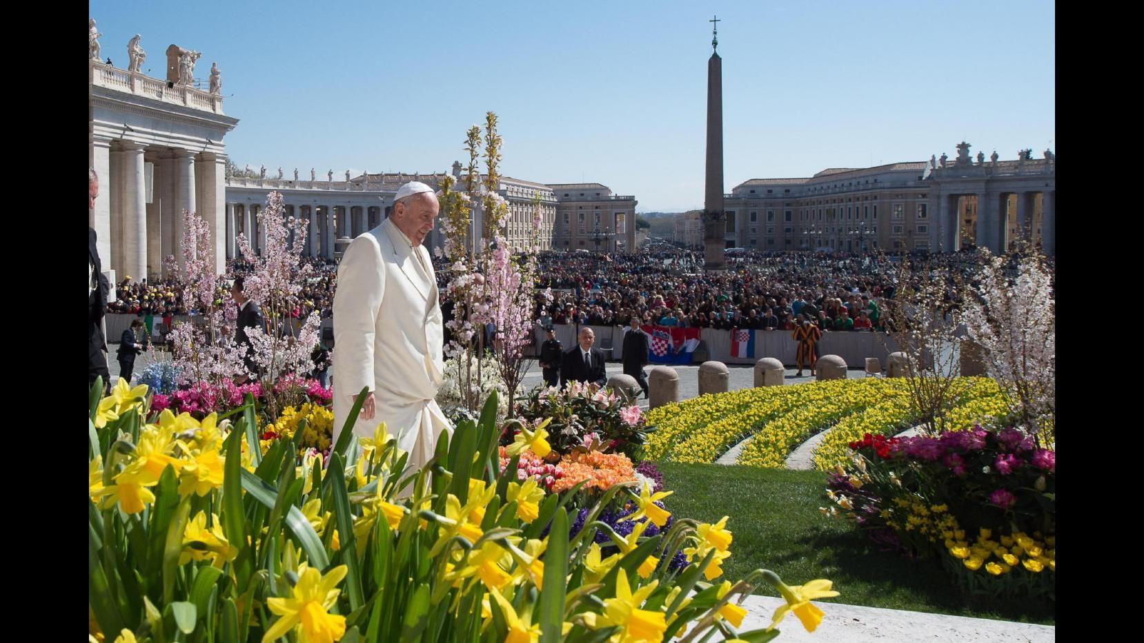 Oggi il concerto in Vaticano: poveri seduti in prima fila