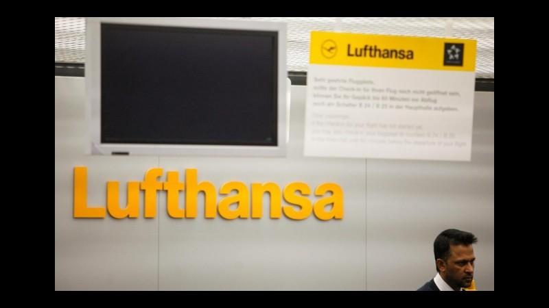 Lufthansa cancella mille voli per sciopero piloti