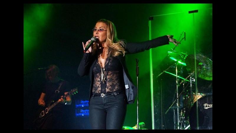 Musica, due nuove uscite e tour di 8 date in Italia per Anastacia