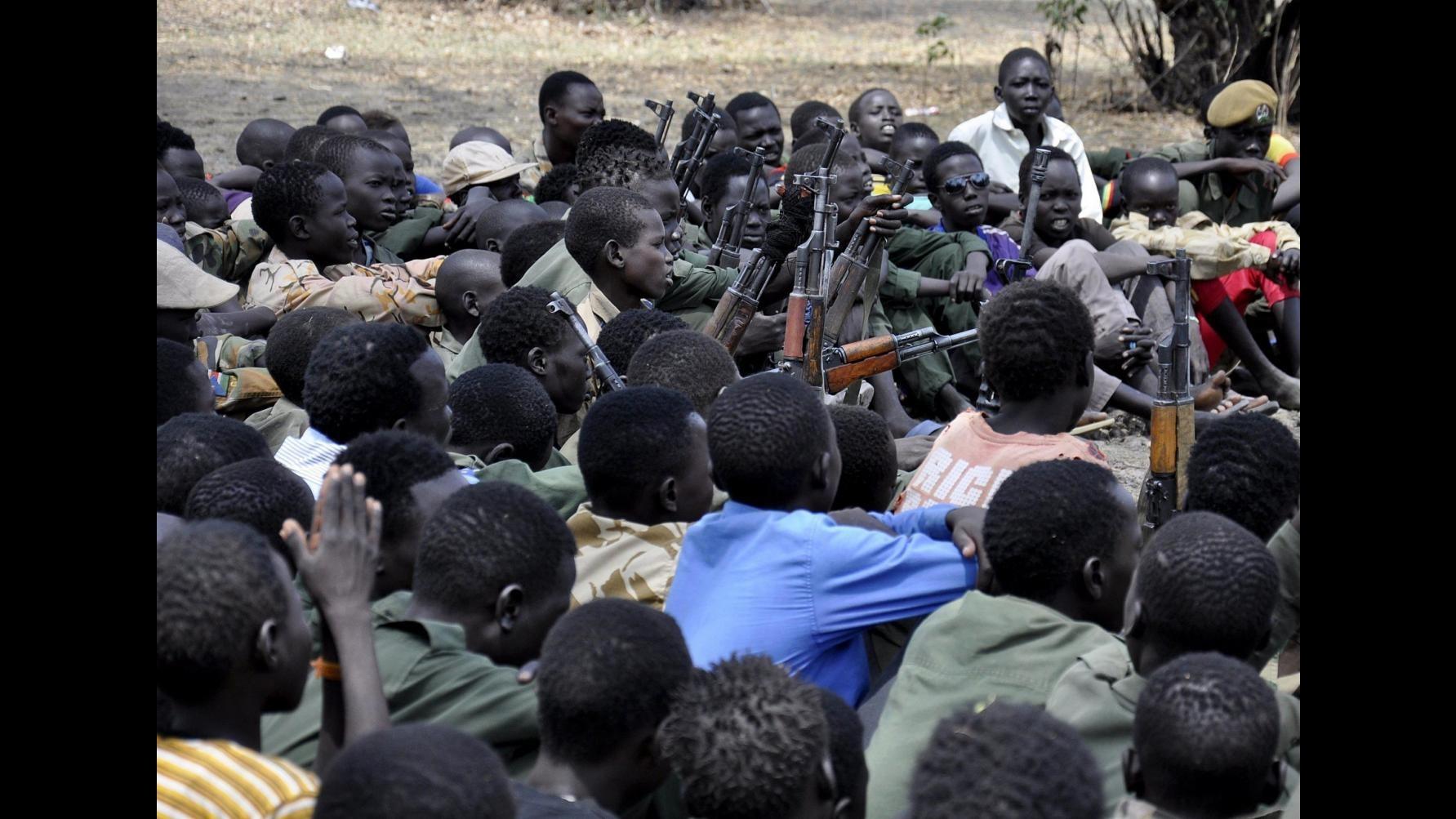 Repubblica Centrafricana, ok gruppi armati a rilascio bambini soldato