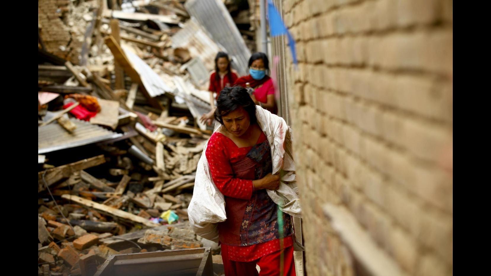 Sisma Nepal, Unicef avverte: Rischio che aumenti traffico bambini