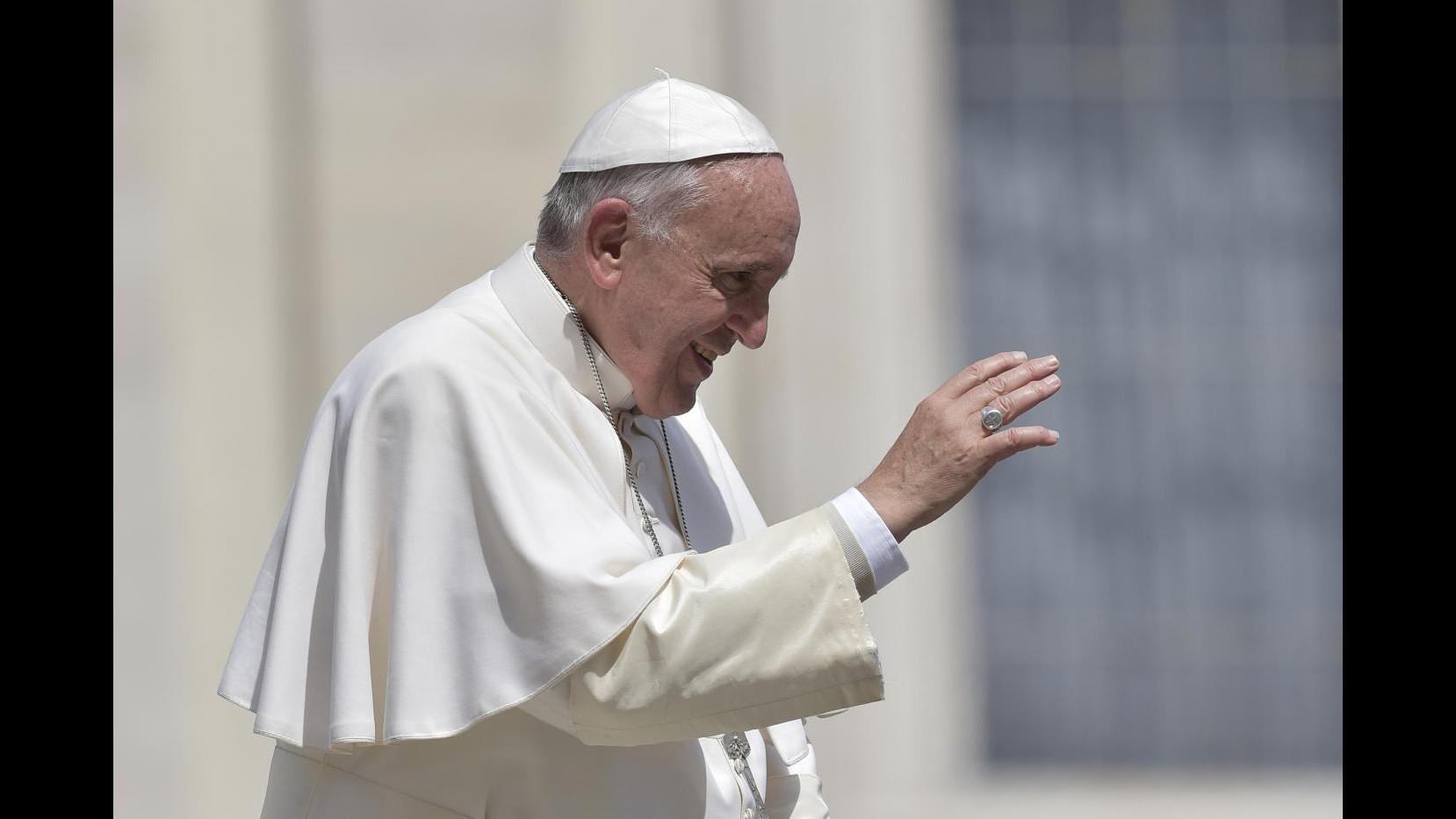 Vaticano, nuova commissione sui media: Viganò presidente