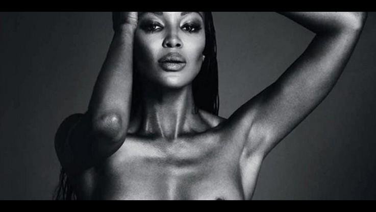 """Naomi """"cinguetta"""" in topless dopo la censura di Instagram"""