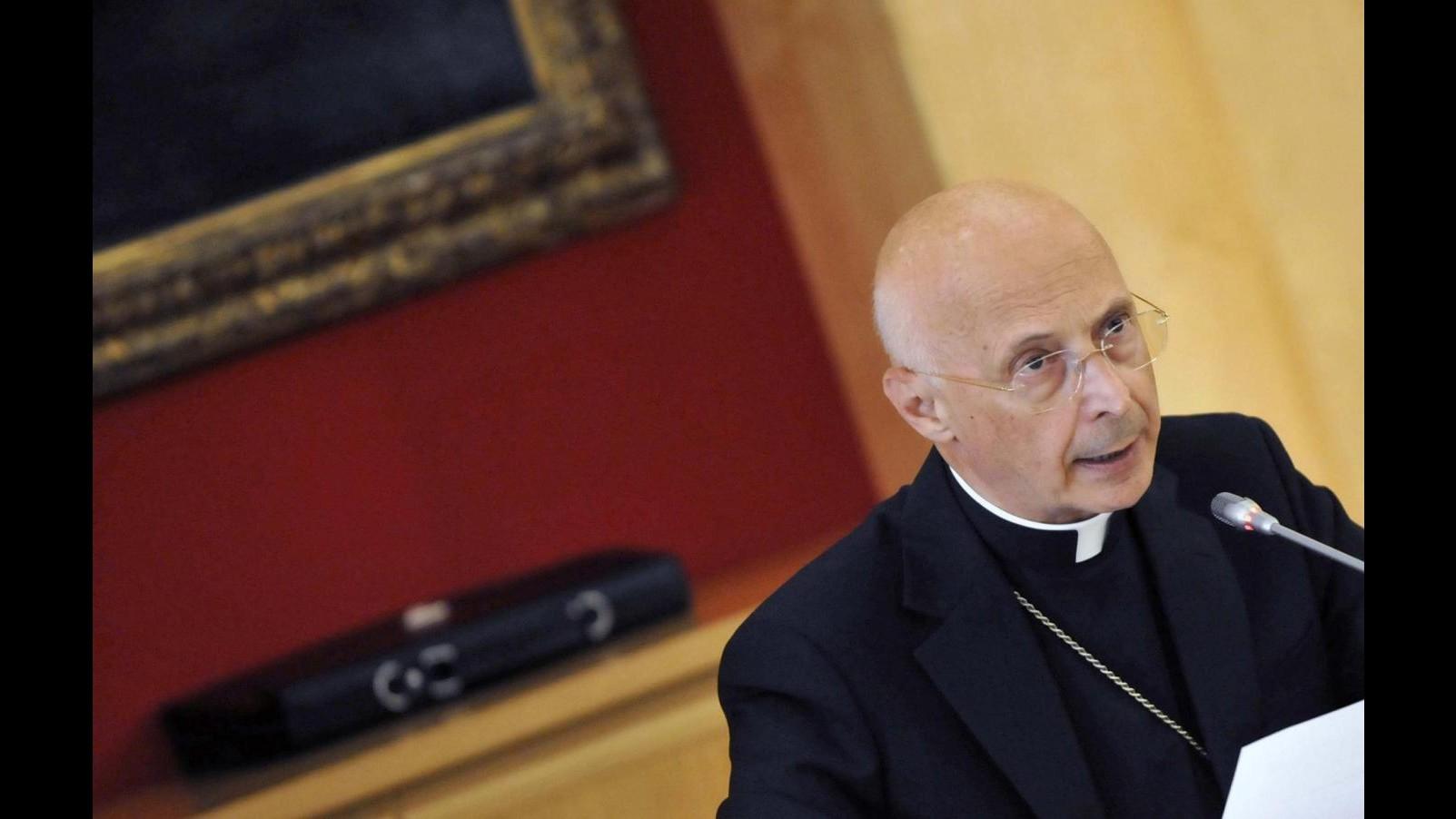 """Diritti, Bagnasco: """"Sì al dialogo con i gay ma no alle unioni civili"""""""