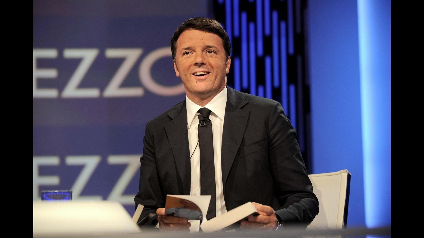 Renzi: Pil rivisto al rialzo a +0,9%. Governo? Al massimo due mandati