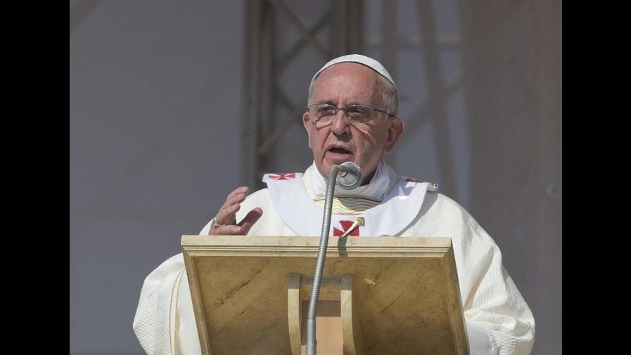 Vaticano, Papa: Persecuzione cristiani crimine inaccettabile