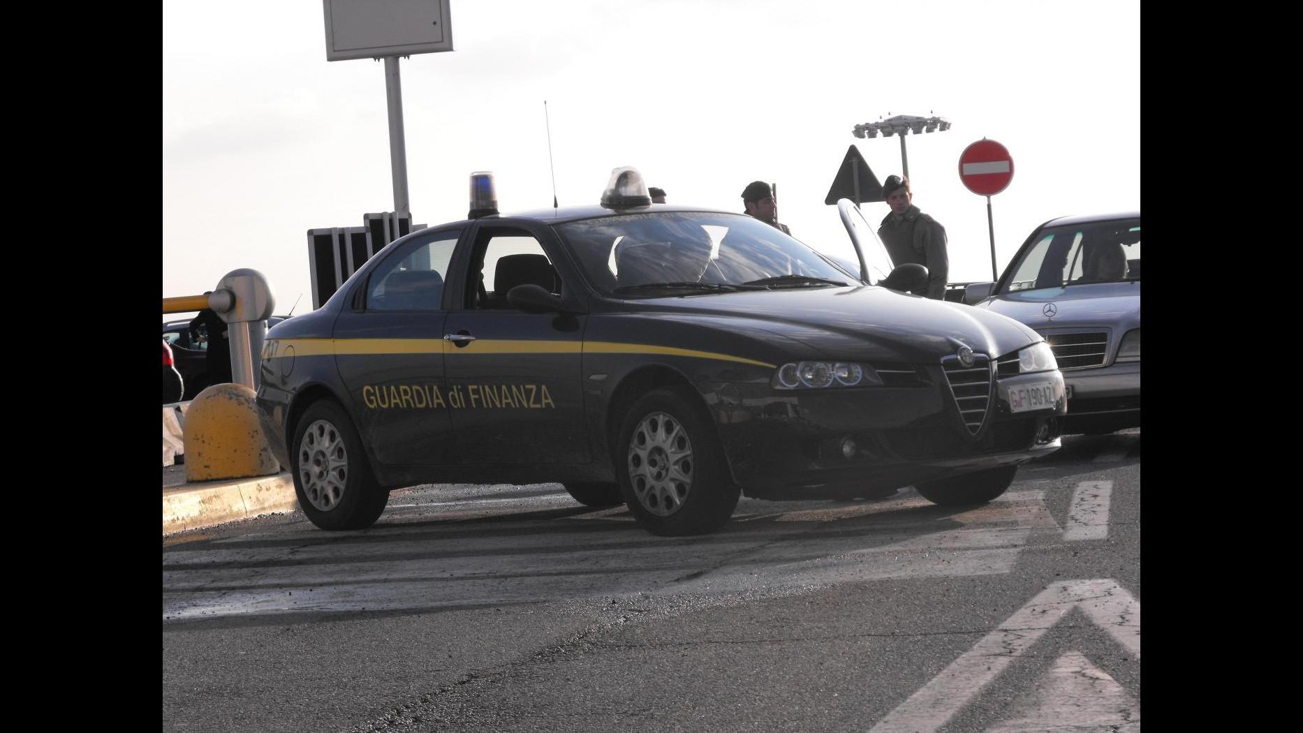 Napoli, maxi evasione fiscale: sequestrati beni per oltre 71 milioni