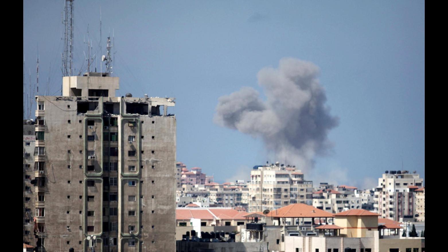 Raid Siria, Hollande: Raggiunti obiettivi. Renzi: non diventi un'altra Libia