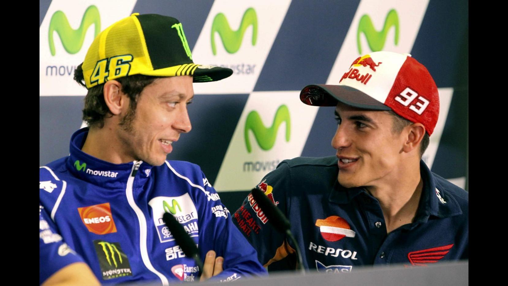 MotoGp, pole per Marquez davanti a Lorenzo. Rossi 6°