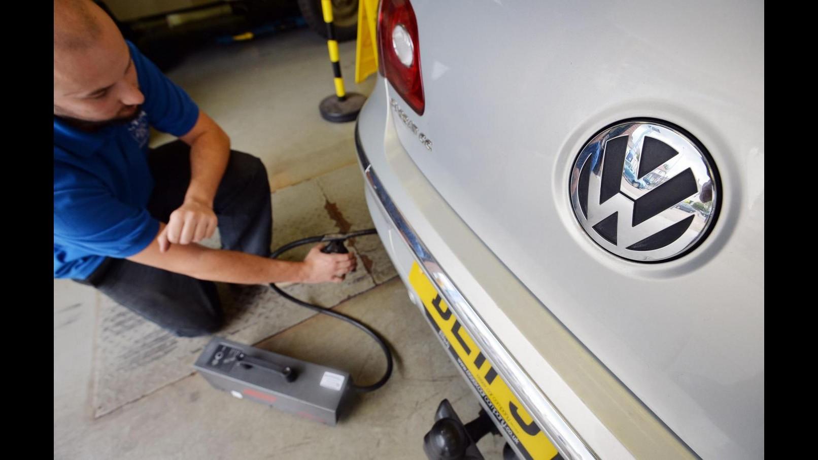 Volkswagen, Svizzera blocca vendita dei veicoli diesel del gruppo
