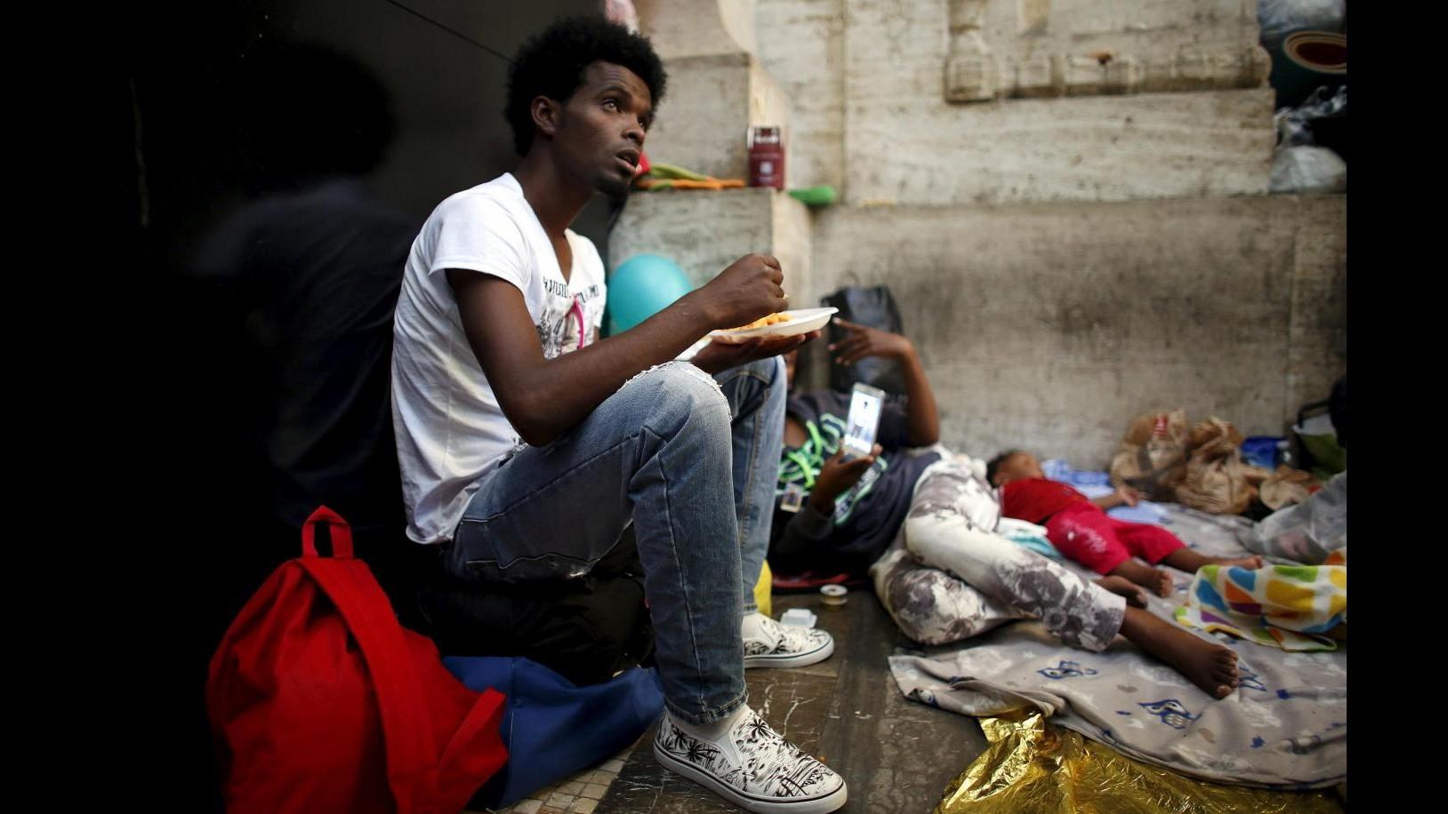 Milano, in Stazione Centrale sospetto caso di malaria trai profughi