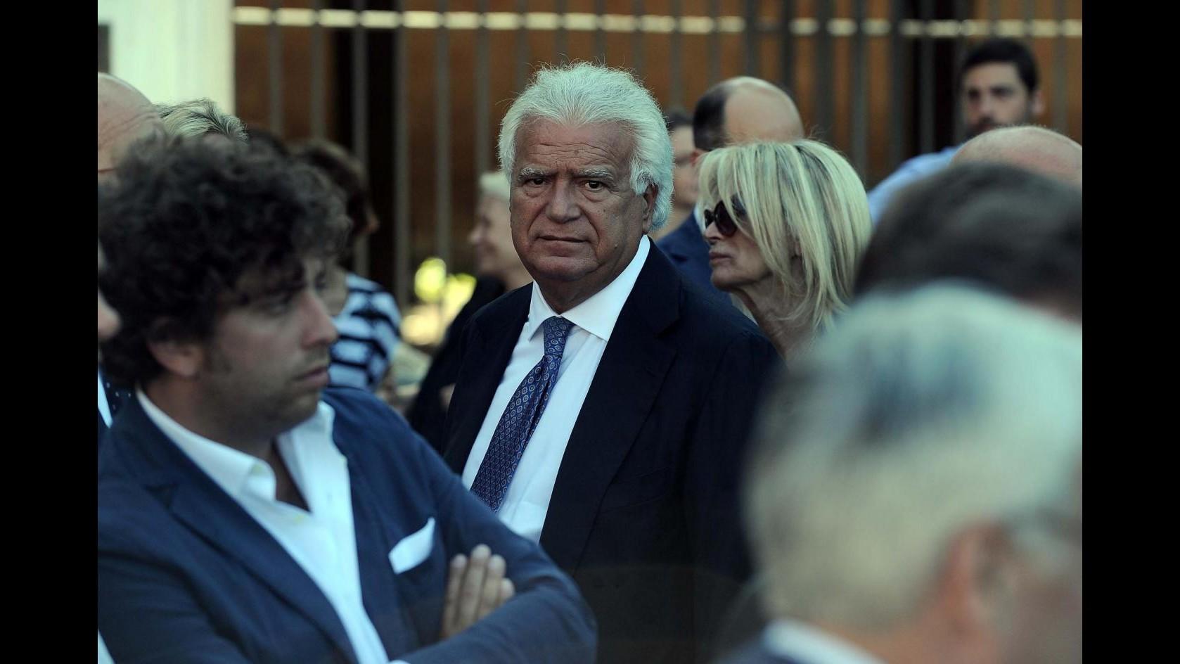 Forza Italia perde i pezzi: 10 parlamentari scelgono di andare con Verdini
