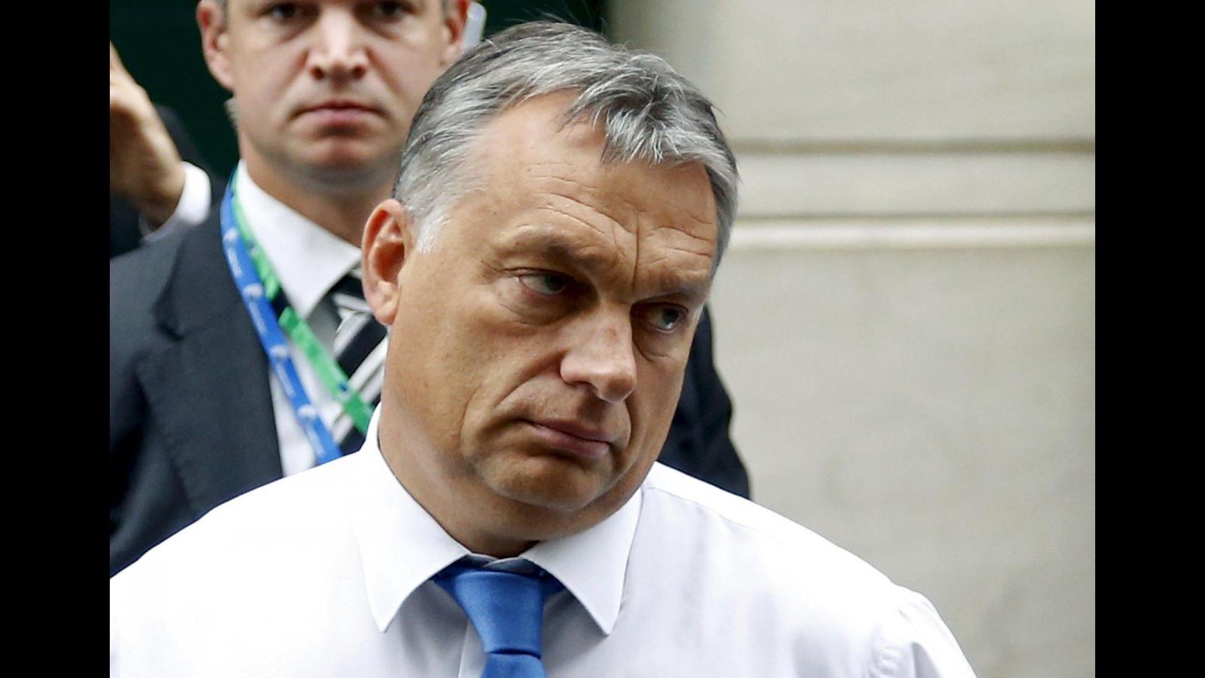 Migranti, Orban: Rispettare Schengen per non sprofondare nel caos