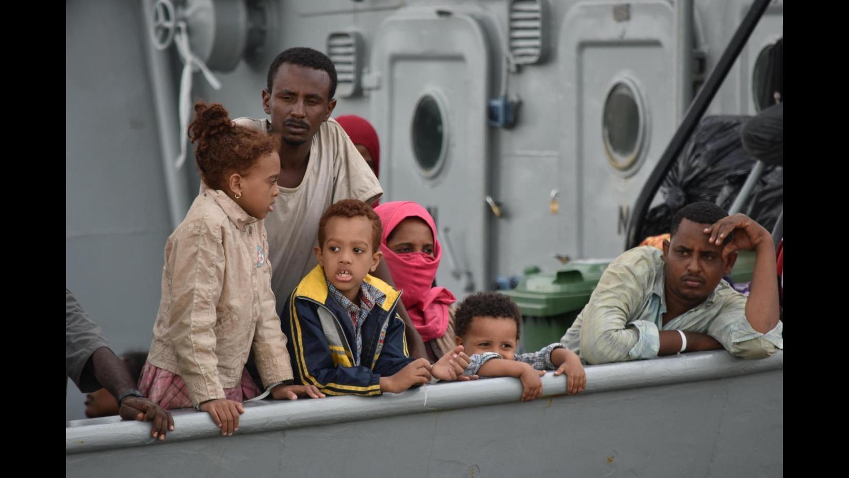 Migranti, Merkel: Grande sfida, ma l'Ue ha la forza per farcela
