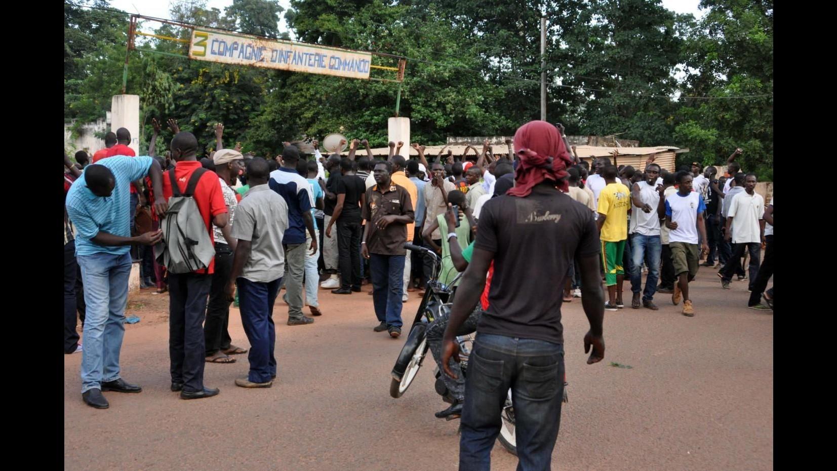 Burkina Faso, oggi la cerimonia per restituire potere a presidente