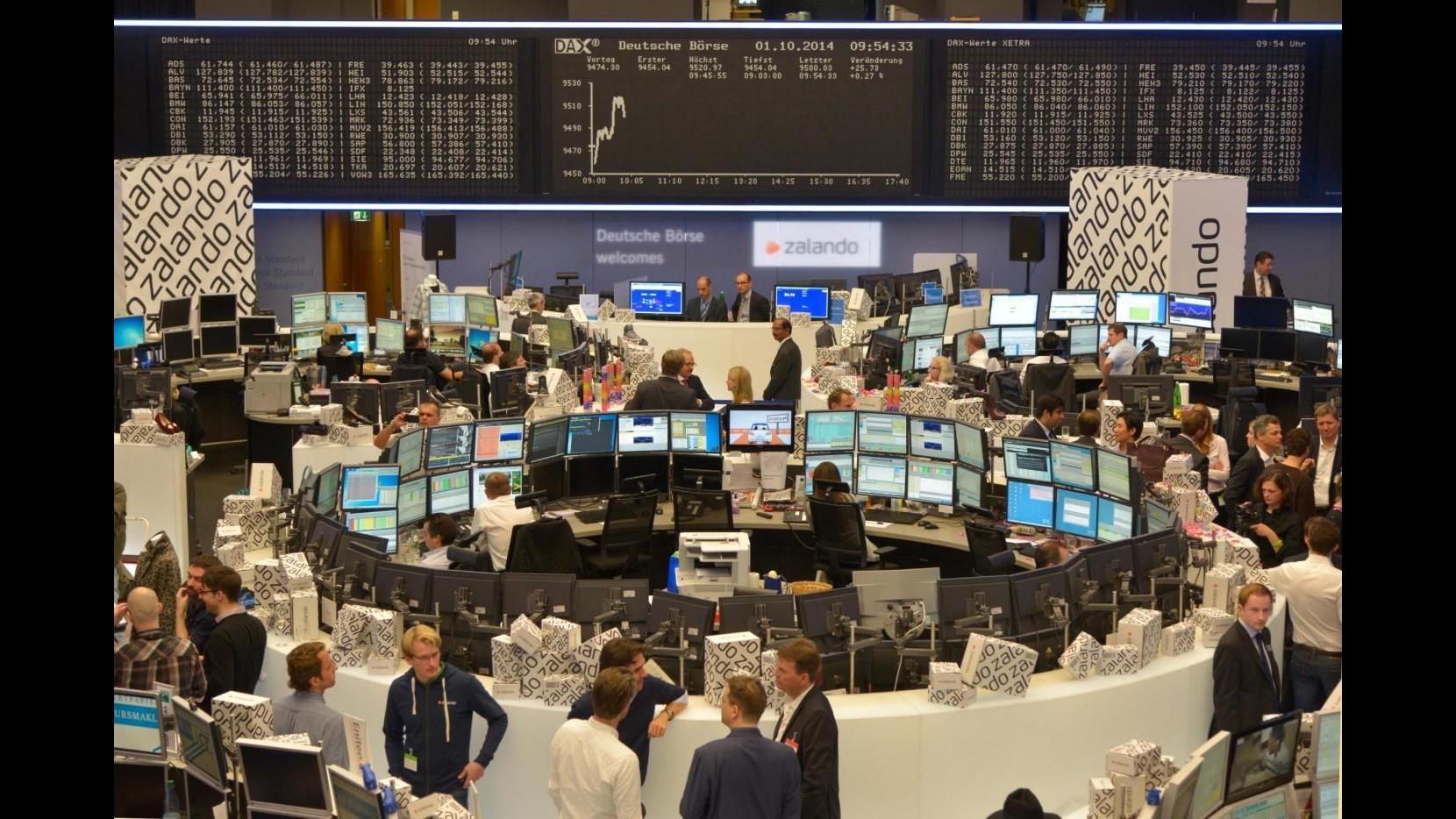 Borsa, futures listini europei tutti in negativo: Francoforte -0.9%
